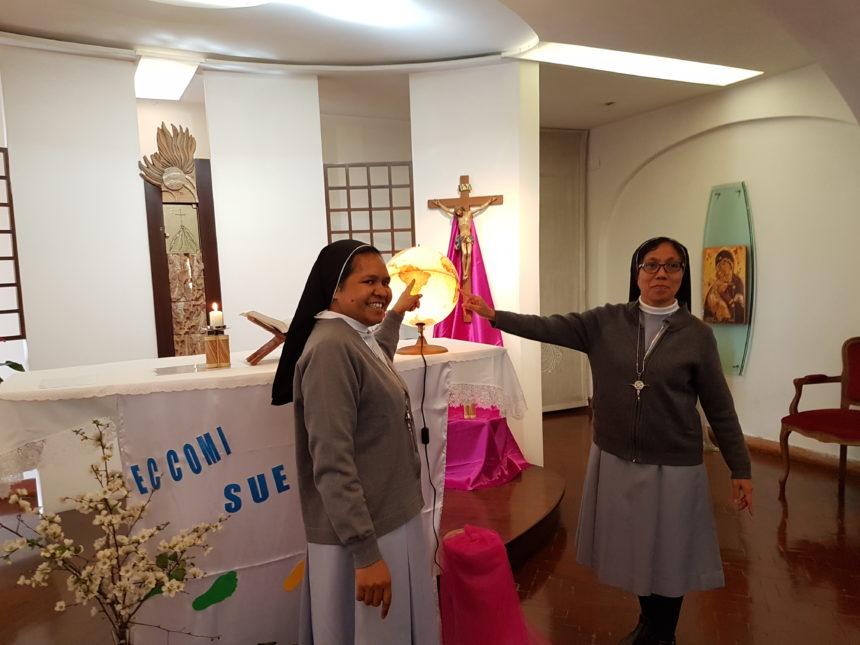 Consegnato il Crocefisso a due sorelle Canossiane